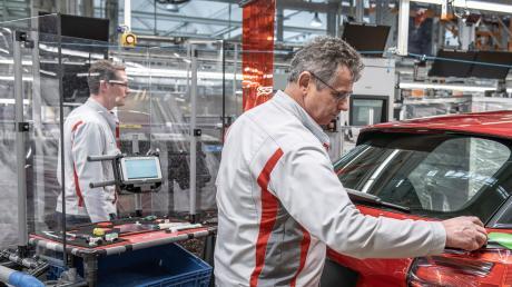 Audi stellt in Neckarsulm vorübergehend die Produktion ein.