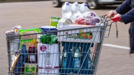 Im April sind die Verbraucherpreise insgesamt Deutschland kaum noch gestiegen. Bei Nahrungsmittel mussten die Menschen jedoch tiefer in die Tasche greifen.
