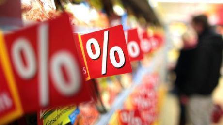 Die geminderte Mehrwertsteuersatz gilt ab dem 1. Juli. Doch einige Discounter senken schon vorher ihre Preise.