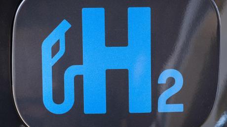 H2 lautet die chemische Formel für das Wasserstoff-Gas.