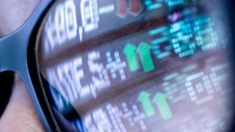 Auf was sie sich einlassen, können Anleger manchmal gar nicht erkennen. Bei bestimmten Punkten sollten sie auf jeden Fall misstrauisch werden.