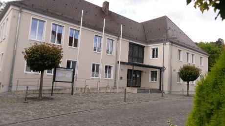 Das Rathaus von Altenstadt. Es ist auch Sitz der Verwaltungsgemeinschaft.