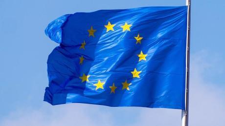 Die EU-Kommission hat die geplante Garantie des Bundes für Reisegutscheine bei Corona-bedingten Stornierungen genehmigt.