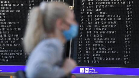 Nach Angaben des Auswärtigen Amtes besteht weiterhin eine coronabedingte Reisewarnung für fast alle Länder.