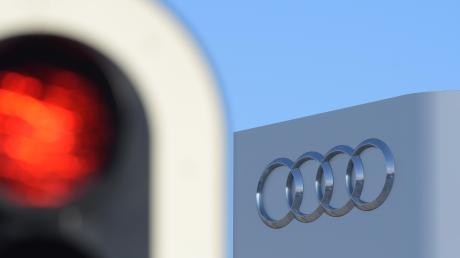Ein Volkswagen-Mitarbeiter will im Sprachstreit gegen Audi klagen.