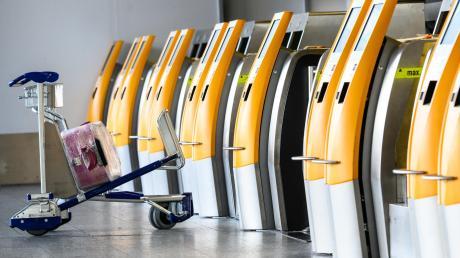 Am Flughafen München wurde eine Frau aus Georgien mit viel Reizwäsche im Gepäck aufgegriffen. Außerdem trug sie eine gefälschte Terminbestätigung bei sich.