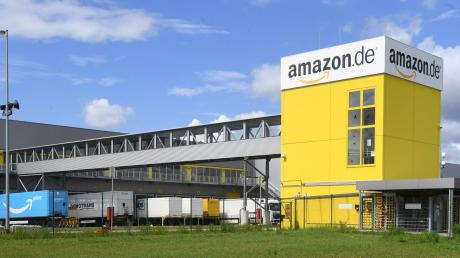 Die rund 1800 Mitarbeiter bei Amazon in Graben sind bis Dienstagabend zum Streik aufgerufen.  Die Gewerkschaft Verdi fordert bessere Arbeitsbedingungen und die Einführung eines Tarifvertrags.