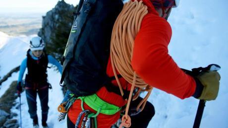 Wenn es auf den Gipfel geht, haben Bergführer immer einen Blick auf ihre Gäste.