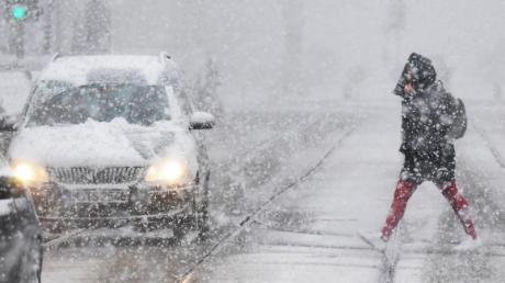Schnee und Eis auf den Straßen hat im Landkreis zu Unfällen geführt.