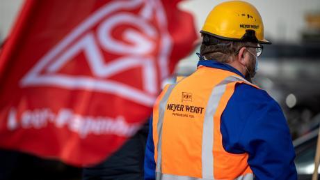 Die Krise der Metall- und Elektroindustrie bekommt nun auch die Gewerkschaft zu spüren: Die Mitgliederzahlen sind rückläufig, die Aussichten für die Tarifrunde alles andere als rosig.