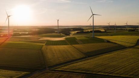 Der Klimawandel hat bei vielen das Bewusstsein für nachhaltige Anlagen geschärft. Erneuerbare Energien zum Beispiel bieten durchaus Chancen.