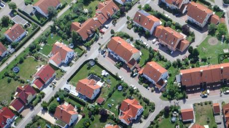 Einfamilienhaussiedlungen, wie hier in Donauwörth, sind in die Kritik geraten.