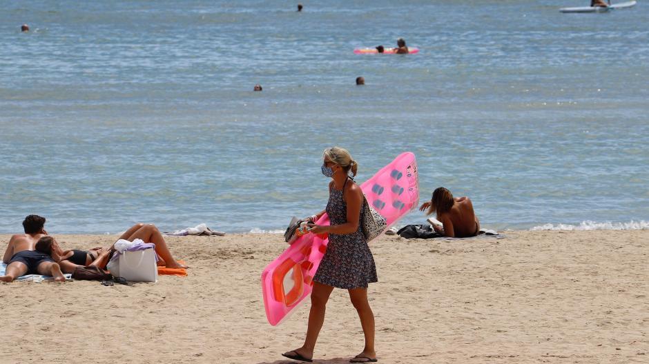 Wie leer oder wie voll werden die Strände sein? Was wird erlaubt sein? Das dürften viel gestellte Fragen zum Sommerurlaub 2021 sein.