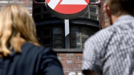 Die Arbeitslosigkeit im Landkreis Neu-Ulm ist im April leicht gesunken.