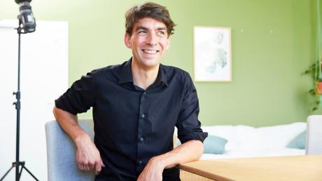 Matthias Henze krempelt gern die Ärmel hoch, wenn es um Miniunternehmen geht. Die Inhaber und Beschäftigten der Kleinstfirmen liegen dem Norddeutschen am Herzen.