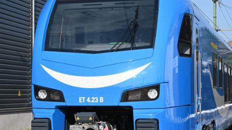 """""""Flirt"""" heißt der Zug, mit dem das Bahnunternehmen Go-Ahead Lindau und München verbinden will. Doch eine Liebesgeschichte ist es noch nicht."""