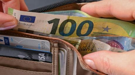 Wer wissen will, wie sich die Inflation auf das eigene Portemonnaie auswirkt, kann dafür jetzt auch den persönlichen Infaltionsrechner der EZB nutzen.