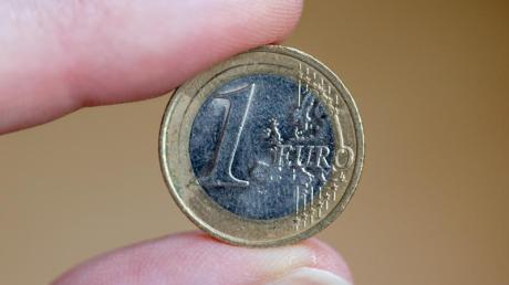 Ein digitaler Euro könnte nach Einschätzung von EZB-Direktoriumsmitglied Fabio Panetta frühestens im Jahr 2026 eingeführt werden.