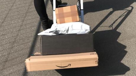 Bei Ärger mit dem Paket-Versand können sich Verbraucher an die Bundesnetzagentur wenden. Immer mehr Menschen nutzen diese Möglichkeit.