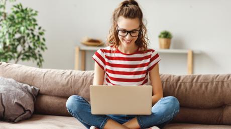 In der Zeitung, im extra und im Internet gibt es viele Möglichkeiten, sich über seine Wunsch-Ausbildung zu informieren.