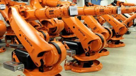 KUKA Roboter in Augsburg: Das Unternehmen setzt vor allem auf den Wachstumsmarkt China.