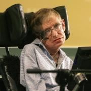 Gelähmtes Genie: Der an ALS erkrankte weltbekannte britische Astrophysiker Stephen Hawking. Foto: Paul Hilton/Archiv