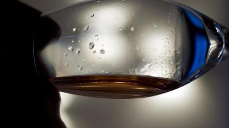 Einiges an Wein ist getrunken worden, bevor eine Frau in Ursberg die Kontrolle verlor.