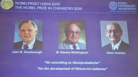 Die Gewinner des Chemie-Nobelpreises 2019: John B. Goodenough (l-r), M. Stanley Whittingham und Akira Yoshino. Foto: Naina Helen Jama/TT News Agency/dpa
