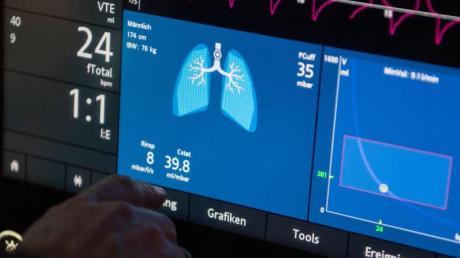 Eine Patientenverfügung klärt unter anderem, wie lange ein Intensivpatient künstlich beatmet werden soll.