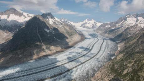 Der Grosse Aletschgletscher in der Schweiz wird immer kleiner.