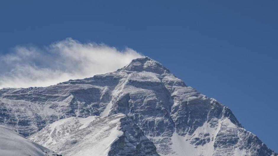 Noch ganz sauber? Forscher fanden selbst in der Todeszone des Mount Everest noch Mikroplastik.