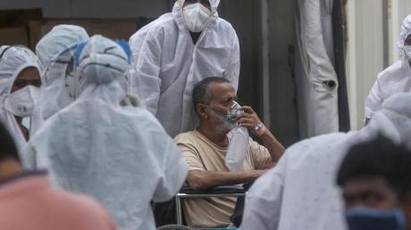 350.000 Neuinfektionen innerhalb von 24 Stunden - Indiens Gesundheitssystem ist längst an seinen Kapazitätsgrenzen.