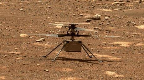Der Mini-Hubschrauber Ingenuity auf dem Mars.